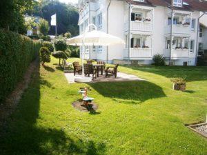 Garten vor den Appartements Binzer Sterne auf der Insel Rügen