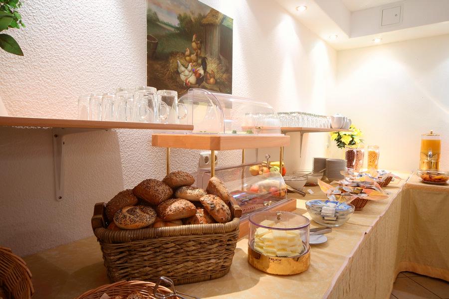 Frühstücksbuffet in der Appartementanlage Binzer Sterne auf der Insel Rügen