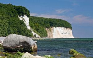 Kreidefelsen in Jasmund auf Rügen mit Ostsee